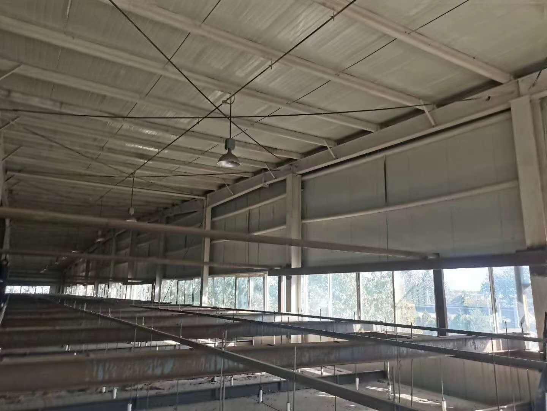出售30000平米库房 1号库72/226/11 一个屋脊两个中柱24米3连跨