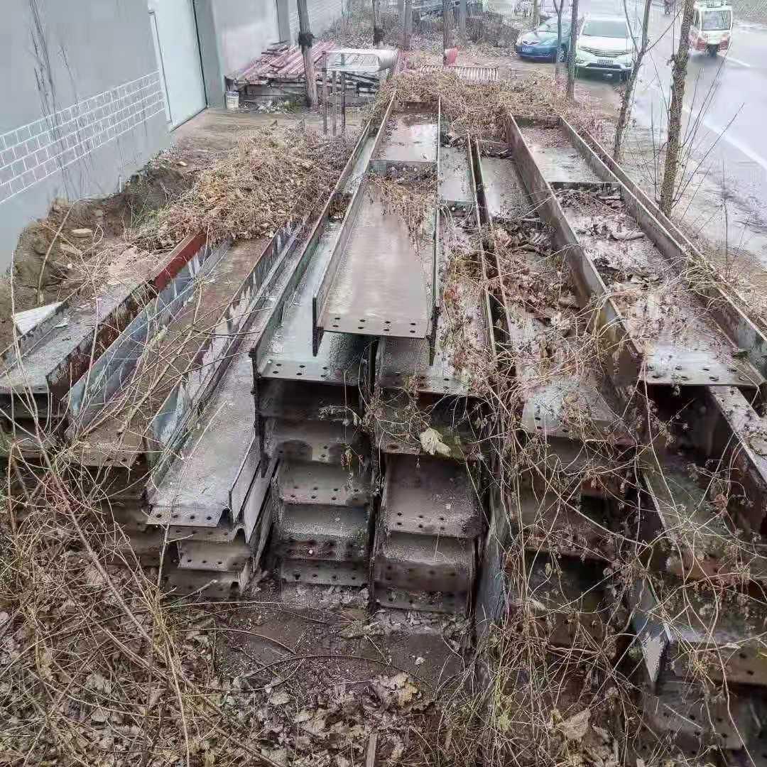出售直条:立柱250×250/15   19米   30根